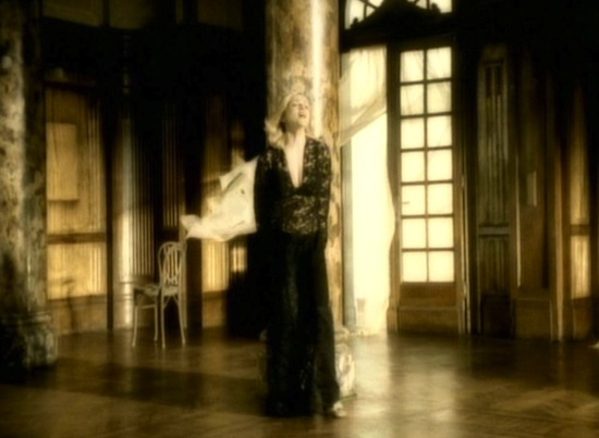 madonna-love-dont-live-here-anymore-video-2