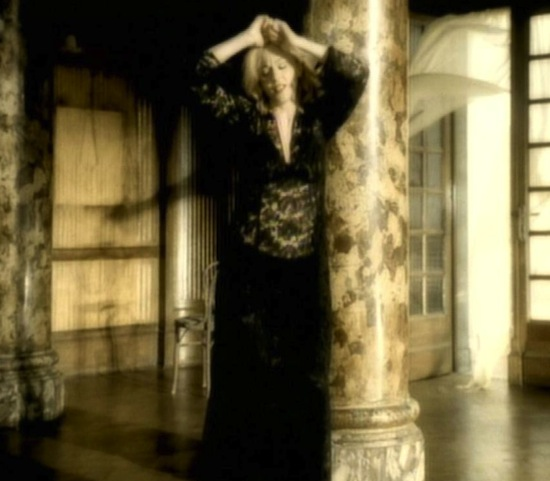 madonna-love-dont-live-here-anymore-video-3