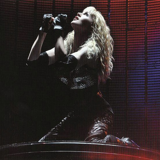 madonna-sticky-and-sweet-live-cd-3