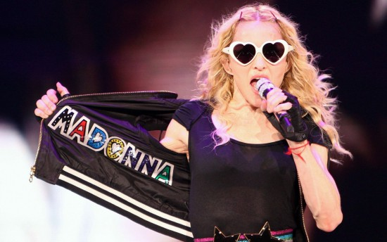 madonna_sticky_and_sweet_tour-wide