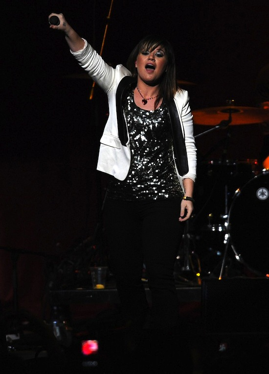 kelly-clarkson-crazy-for-you-1
