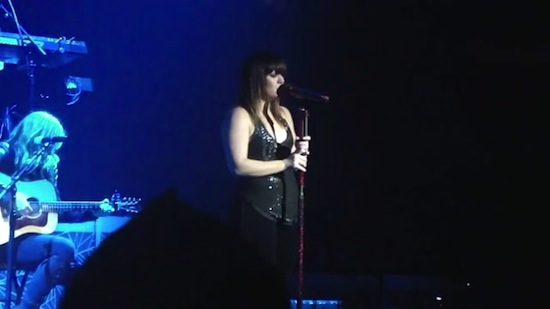 kelly-clarkson-crazy-for-you-2