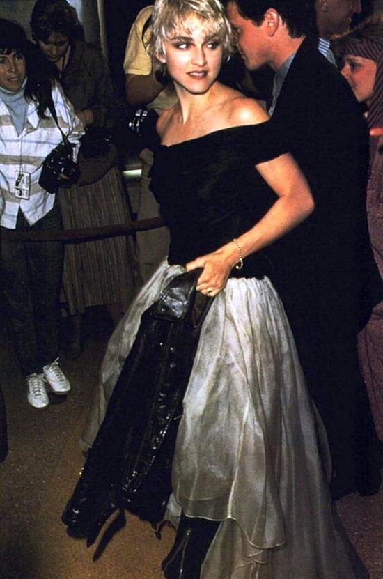 madonna-sean-penn-at-close-range-premiere-4