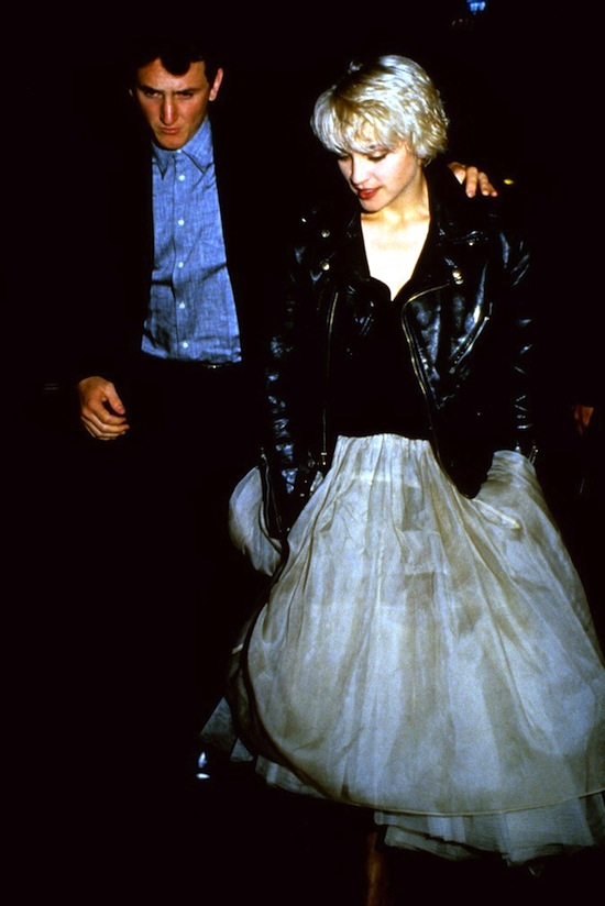 madonna-sean-penn-at-close-range-premiere-5