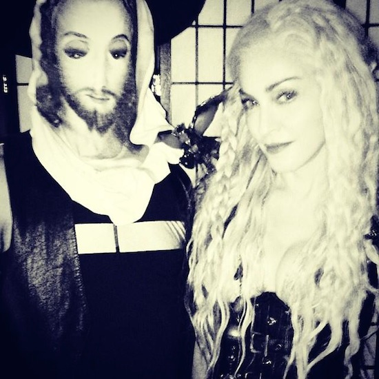 madonna-purim-game-of-thrones-3