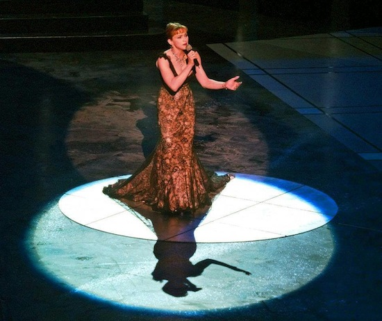 madonna-you-must-love-me-academy-awards-1997-1