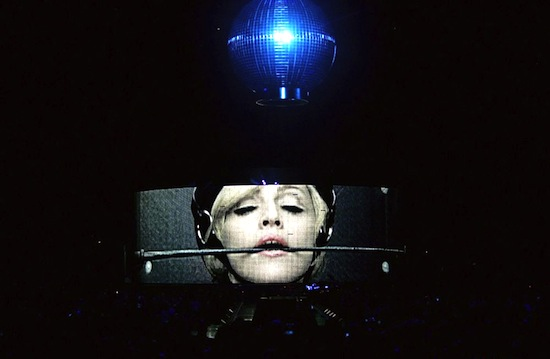 confessions-tour-disco-ball-1