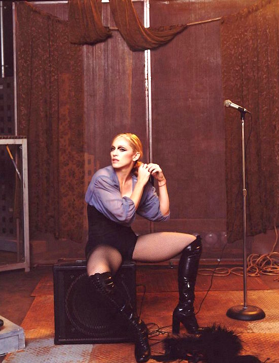 Madonna_Hollywood_Single_Steven_Meisel-2