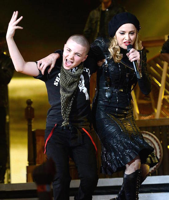 Madonna_MDNA_TOur_with_the_kids_Rocco_Lourdes-2