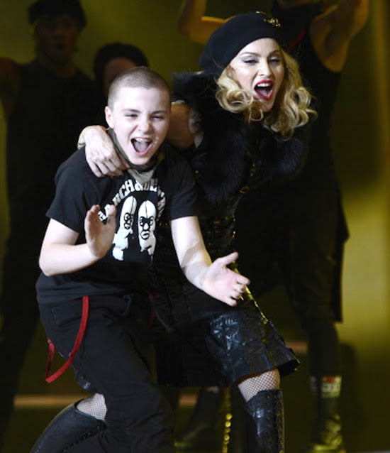 Madonna_MDNA_TOur_with_the_kids_Rocco_Lourdes-3