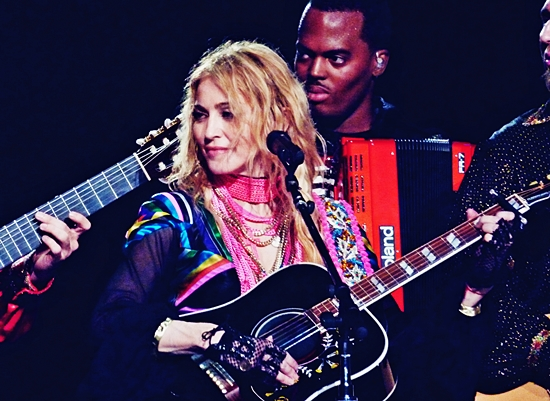 Madonna London O2 (July 4 2009) 7_2