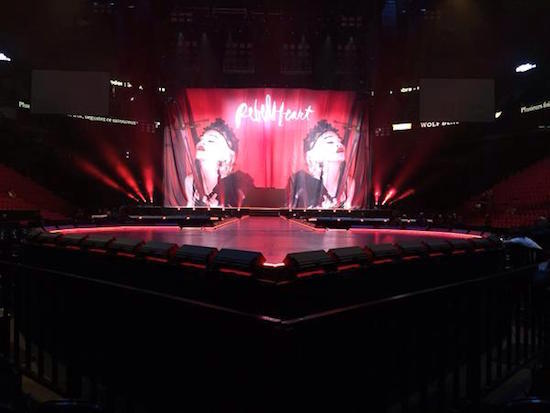 Rebel_Heart_Tour_Montreal_2