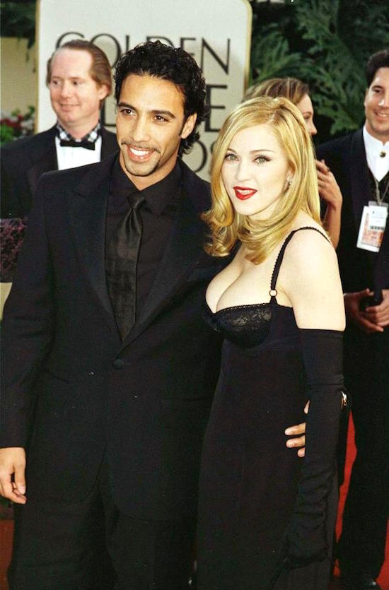 madonna-january-19-evita-golden-globes-5