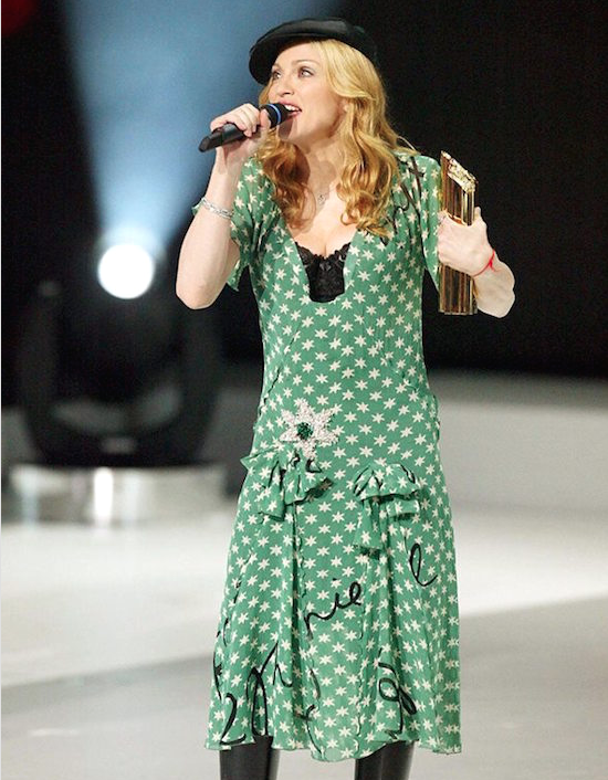 madonna-nrj-awards-2004-1