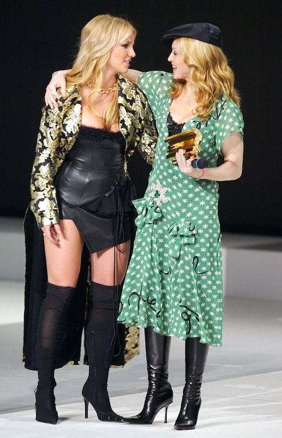 madonna-nrj-awards-2004-3