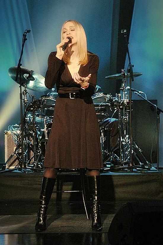 Madonna-Tsunami-Aid-Concert-of-Hope-1 550
