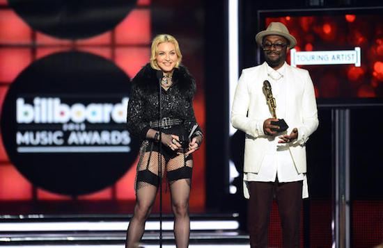 m-billboard-music-awards-2013-2