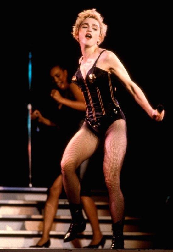 gold-black-corset-2