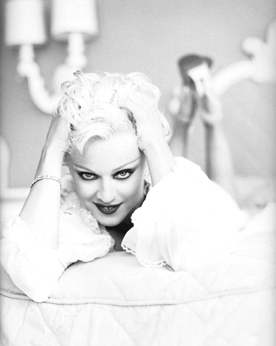 madonna-by-patrick-demarchelier-for-bedtime-stories-1994-600